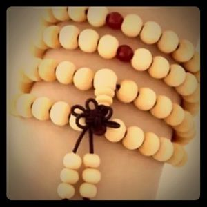 White/Light tan prayer beads